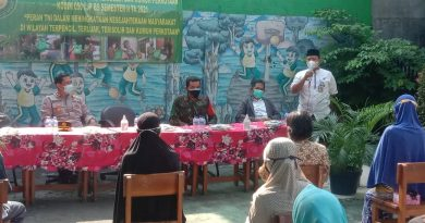 Koramil 04 Gambir Bagikan Sembako Program TNI Tingkatkan Kesejahteraan Masyarakat 3T