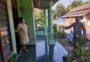 Distribusikan Obat, Babinsa Jajaran Kodim Madiun Bersama Bidan Desa Datangi Rumah Warga Isoman