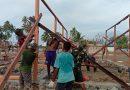 Bersama Warga, Satgas TMMD Kodim 1709/Yawa Kebut Pembangunan RUmah Bagi Warga Miosnum