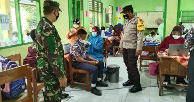 Jelang PTM, Jajaran Kodim Madiun Dampingi Vaksinasi Pelajar
