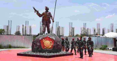 Komandan Korps Marinir Tinjau Museum Korps Marinir di Surabaya