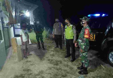 Babinsa Koramil 0801/04 Tegalombo Melaksanakan Patroli Malam Hari Serta Edukasi Protokol Kesehatan
